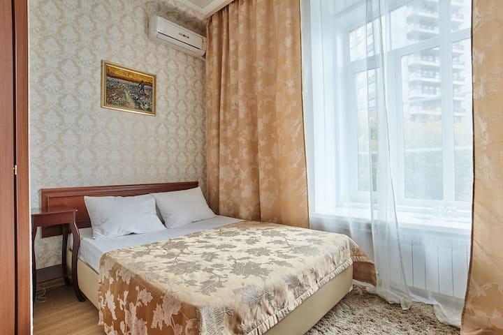 """Уютный отель """"Бонжур""""  на Казакова №3"""