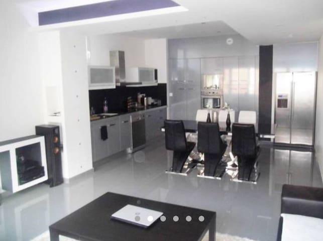 Grand appartement de 85 m2 - Saint-Étienne - Apartamento