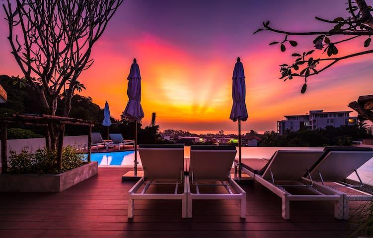 Luxurious 2 Bedroom Apartment @Karon beach, 800 m