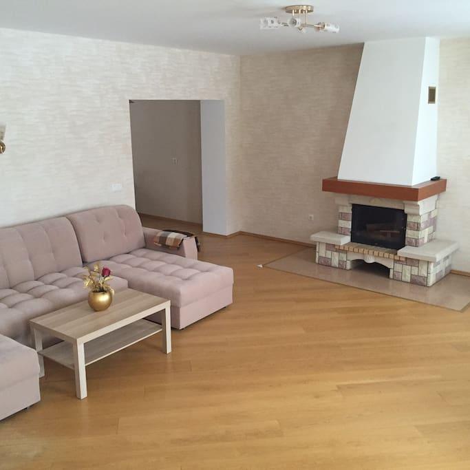 Большой новый диван!