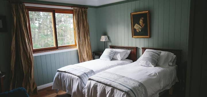 The Loch: Ayr Room