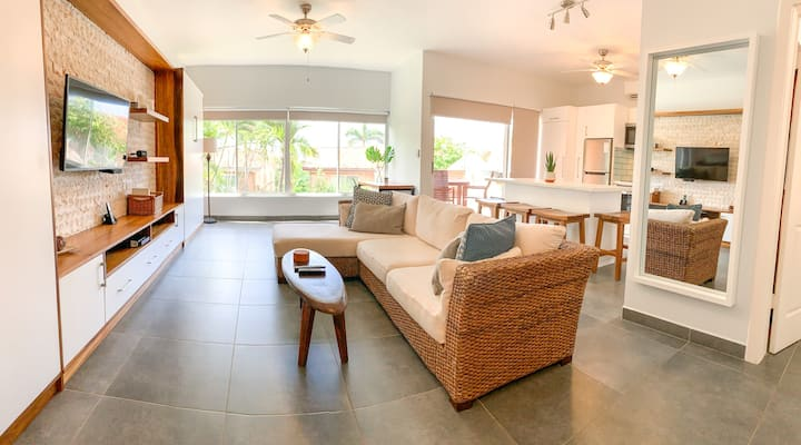 Spacious and Renovated! Steps to the Beach!