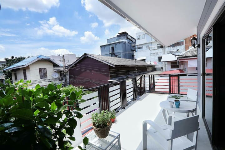 D5 house 3 BR. private house near Khaosan  Rd.