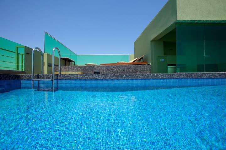 Cozy 2Bdrm Apt with pool-Athens Center (1st floor)