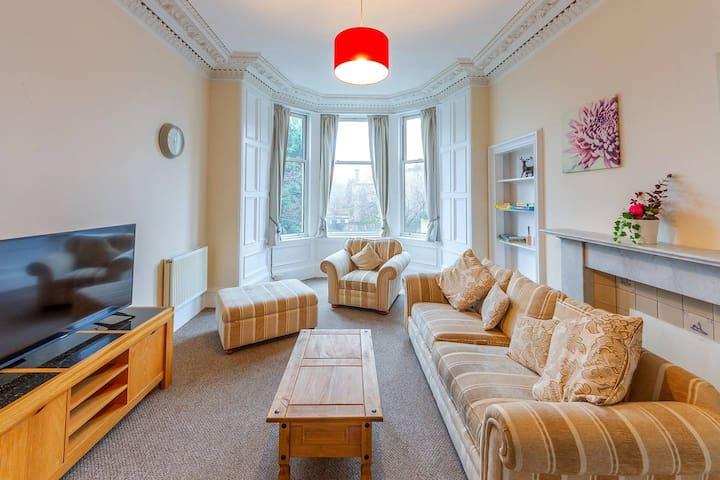 Incredible Victorian 4 Bedroom Apartment