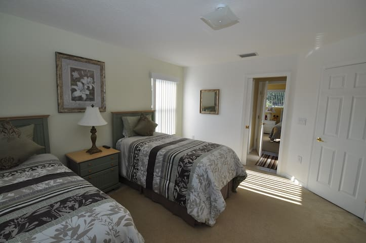 Light and Spacious Twin Bedroom