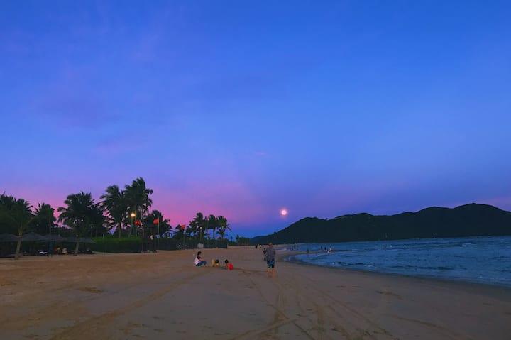 """""""我们的蓝色共和国""""——蓝湾小镇·清水湾海景公寓 - 明星黄磊同款小区-会唱歌的沙滩"""