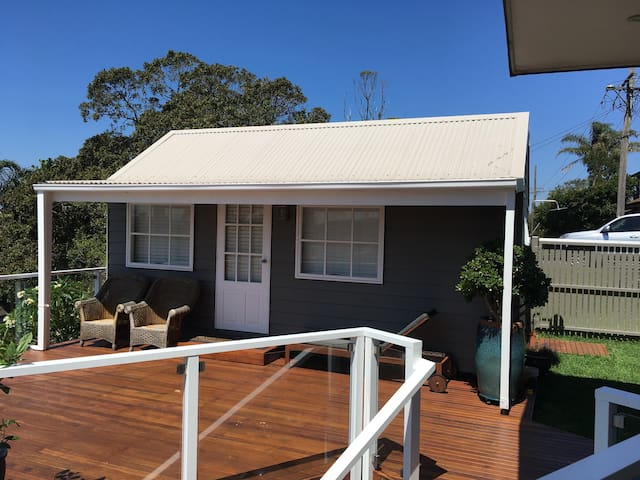 Dee Why beach cabin with a view