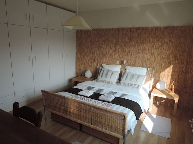 "Great sunny room ""HEAVEN"", breakfast included! - Vosselaar - Bed & Breakfast"