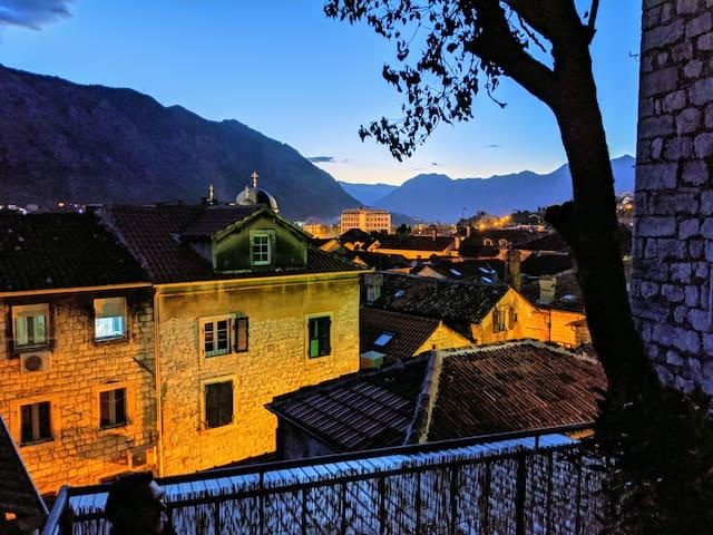 Best view! Rooftop garden - Old Town 404 studio