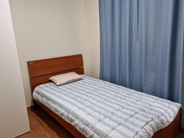 침실2  수퍼싱글침대