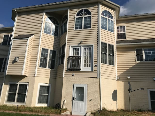 One bedroom Unit with Separate Entrance