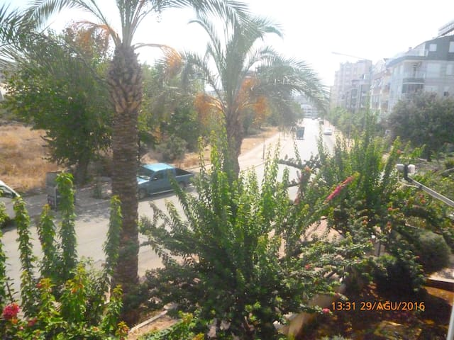 A nice flat which very close to sea and citycenter - Konyaaltı - Apartment