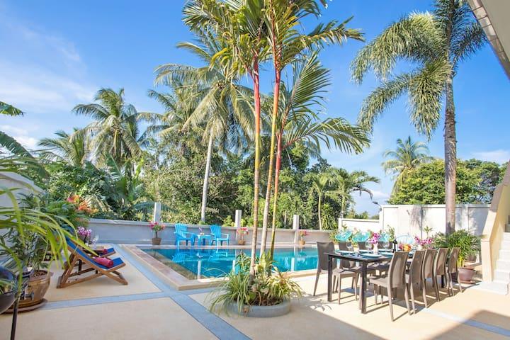 Promthep自然保护区五卧室全新泳池别墅