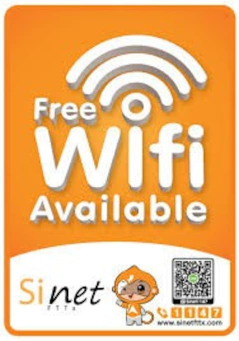 FREE UNLIMITED WIFI.  Free condominium wifi and free wifi in apartment provided from owner.  Freies Gebäude-Wifi und kostenloses Wifi im Apartment vom Vermieter!