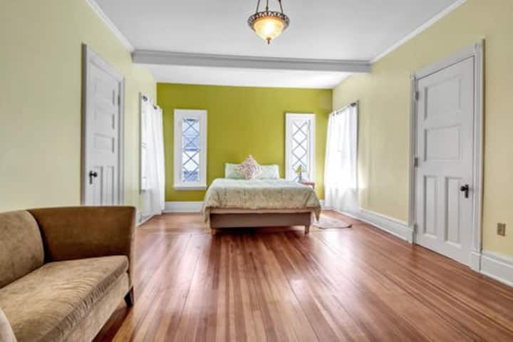 Van Gogh Room at the Mansion