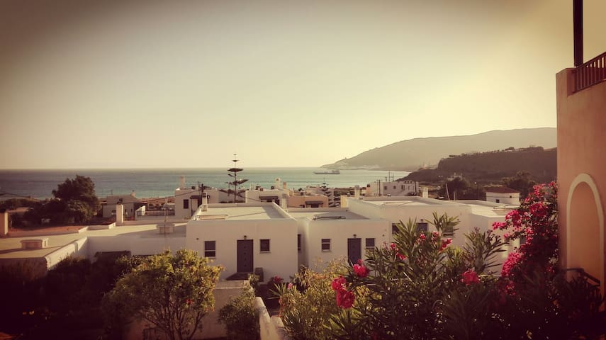 150 μετρα απο παραλία με φοβερή θέα - Άγιος Πετρος - Huis