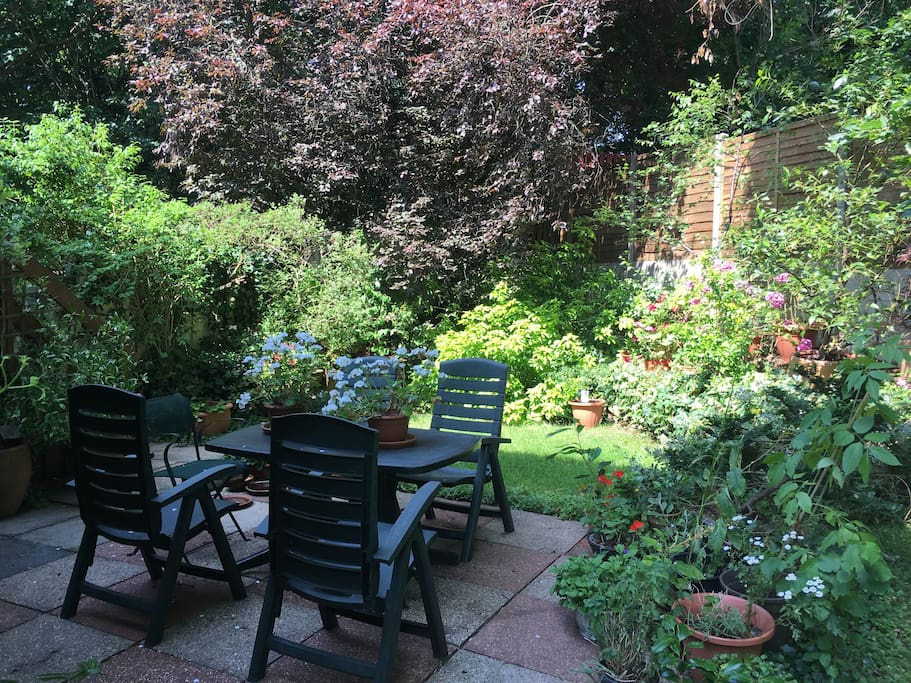 Private garden -shared access with house owner