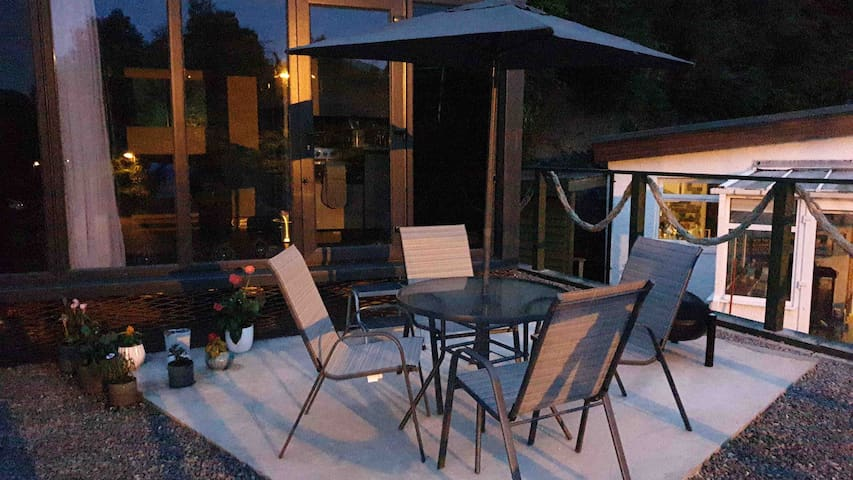 Tower tops pod