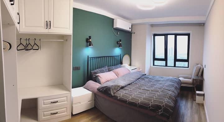 「沐子的家」青岛海景ins米家智能家居两居儿童房公寓