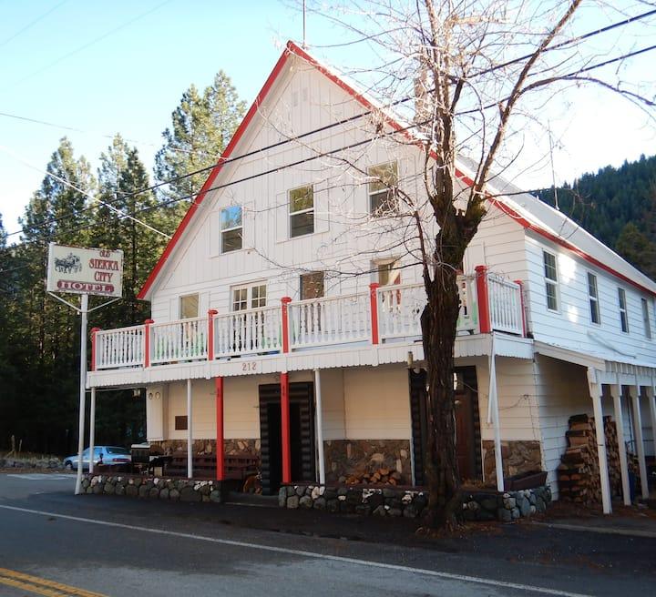 Old Sierra City Hotel Room #4
