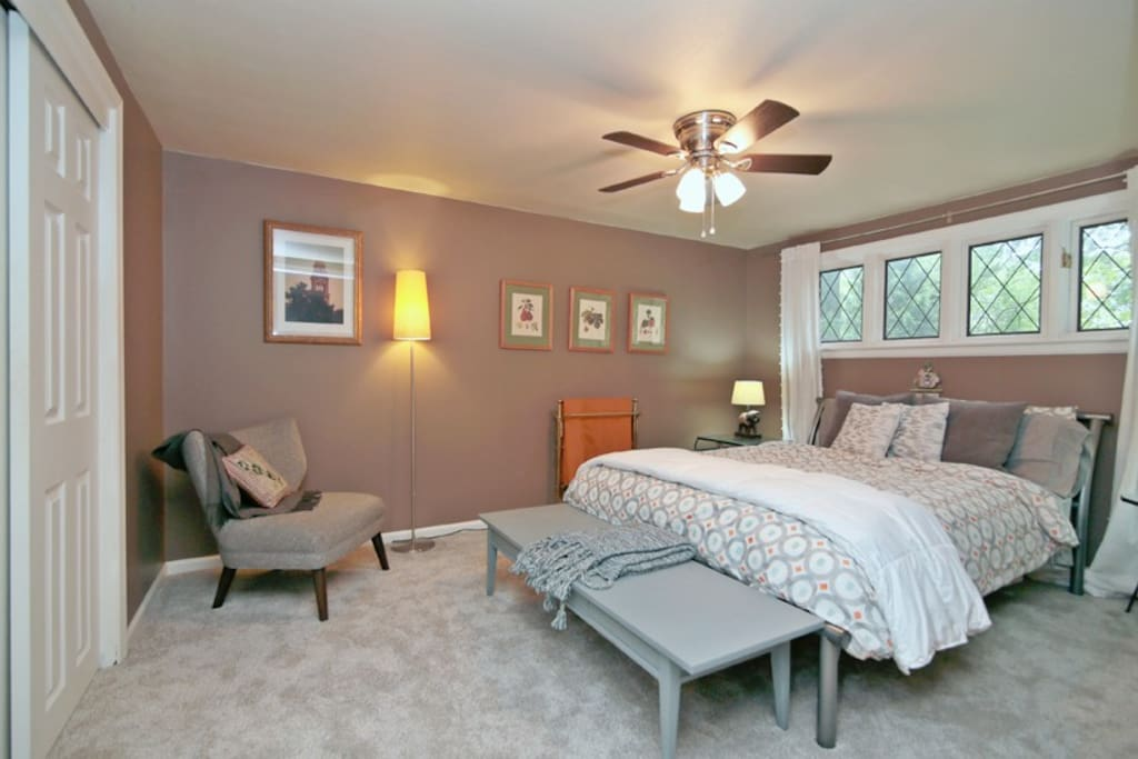 Private bedroom w its queen bed.