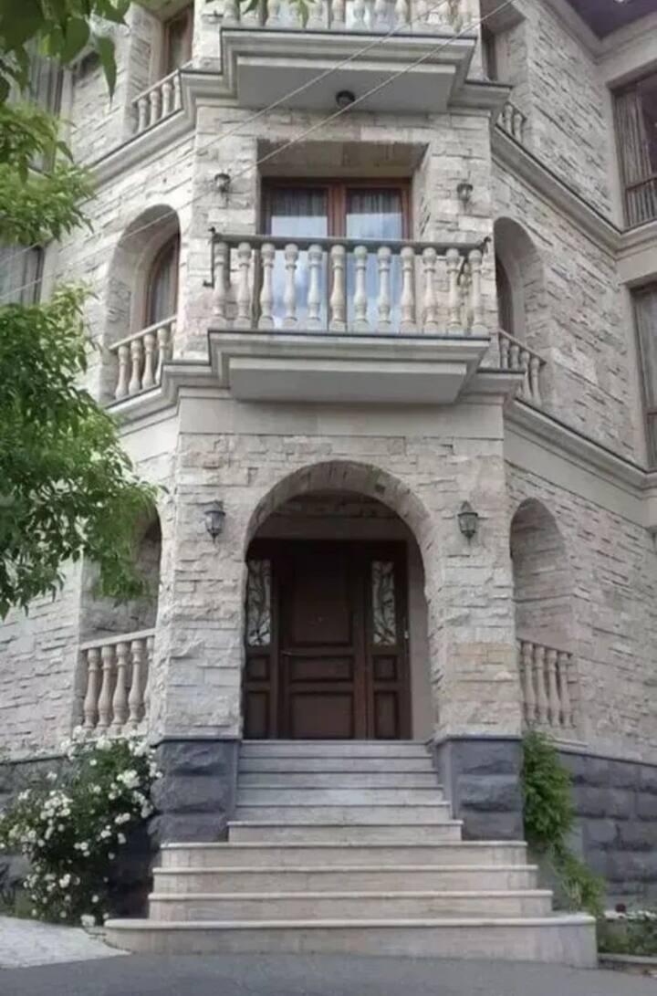 Шикарная вилла в Ереване