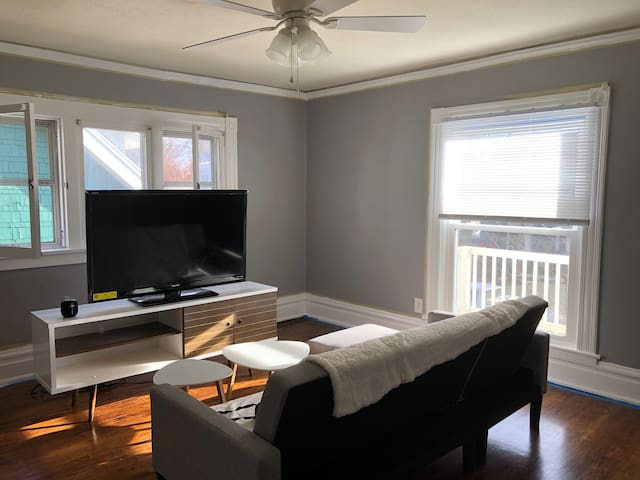 Entire Upstairs Apartment in Duplex
