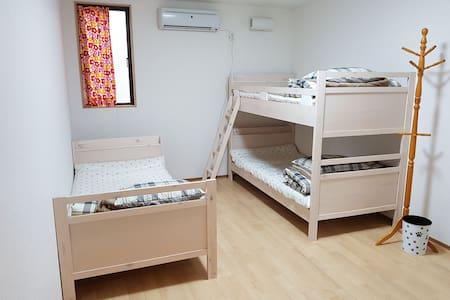 미도리 호스텔(Midori Guesthouse&Hostel)---  3인.침대