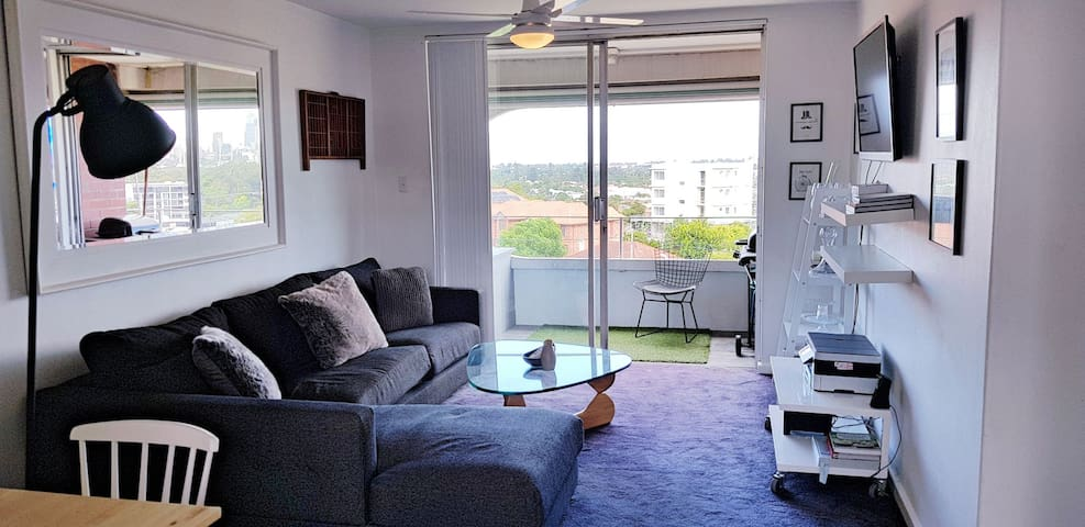 Lathlain City Views Apartment + Wifi + Parking