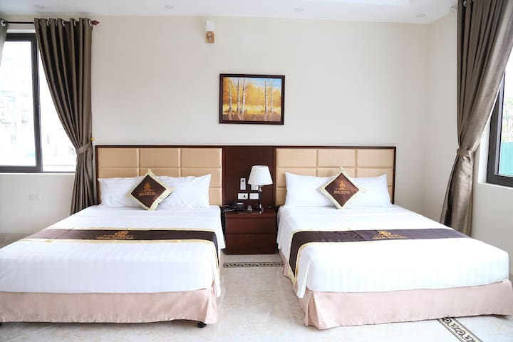 Name: Superior twin room King size bed (2m) Square:  Window, air conditioner, tv,hot water...  162