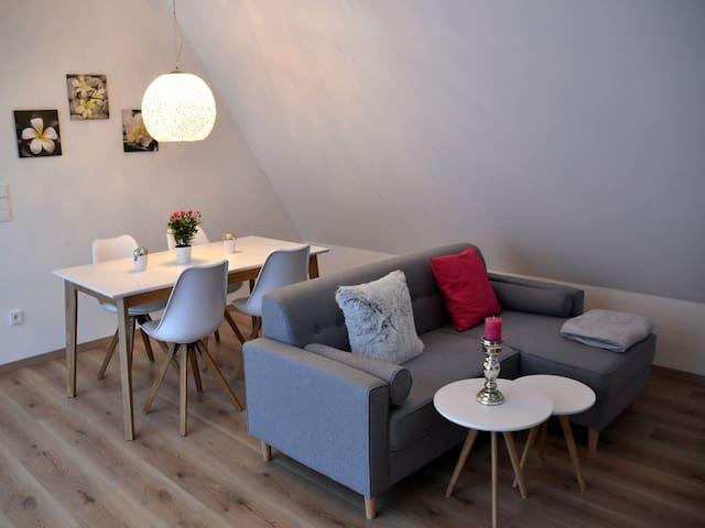 Die Gönothek - Ferienwohnungen, (Iphofen), Ferienwohnung 4 Spätburgunder 56qm, 1 Schlafzimmer, max. 2 Personen