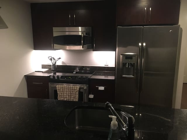 Private room in heart of DC - Washington - Appartement en résidence