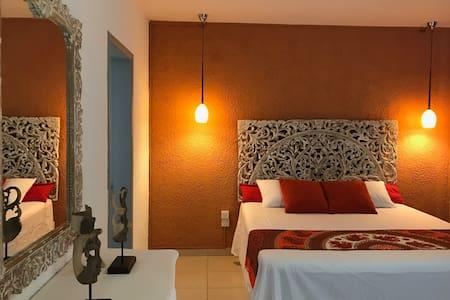 Luxurious residence near the beach-Tamariniers