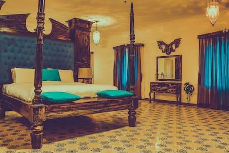 Luxurious Presidential Suite in a villa - Saligao