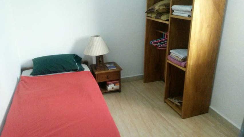 Chambre dans appartement lumineux - Kinshasa  - Wohnung