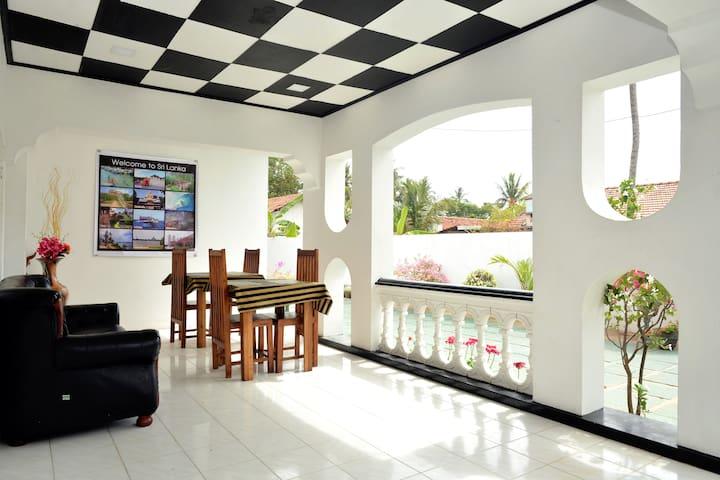 Royal Residence Negombo-(Budget Double Room) - Negombo