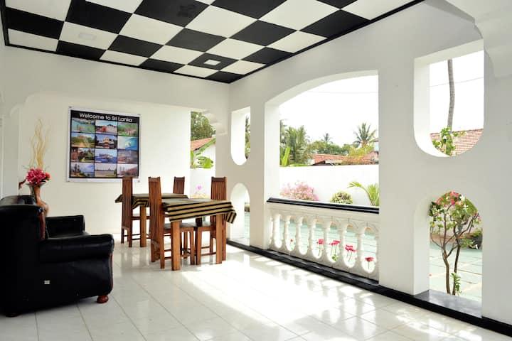 Royal Residence Negombo-(Budget Double Room)