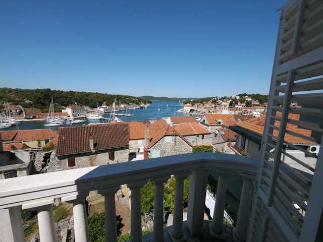 Luxury  Apartment with the Best Sea View in Town! - Milna
