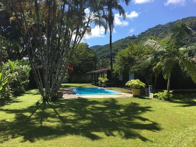 Praia de Boiçucanga - Linda casa com amplo jardim.