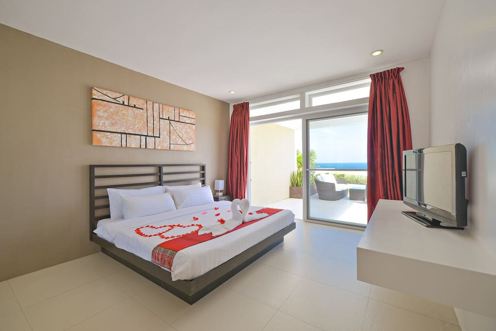 Oceanview Masterbedroom with terrace patio