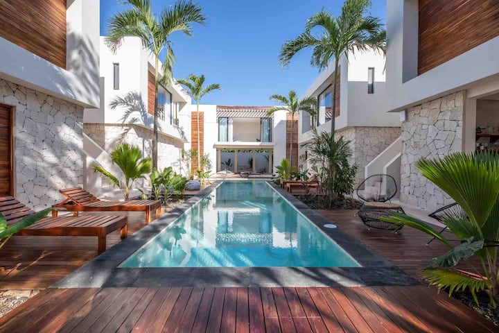 ** NEW ** Hacienda21 - 10 rooms - 6 pools - gym