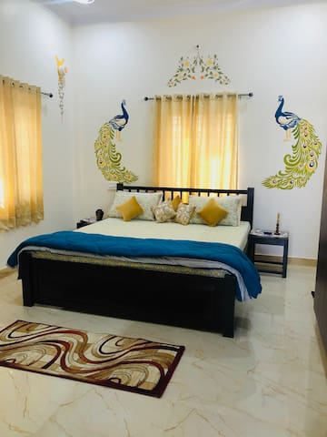 Anand Villa 3 BHK Service Apartment