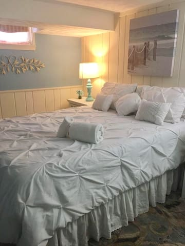 Cozy Basement Room With Queen Bed - Rockville - Casa