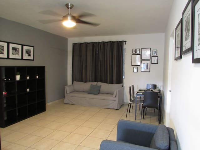 Beautiful Apartment: SAN ANTONIO (3 Beds+Pkg)