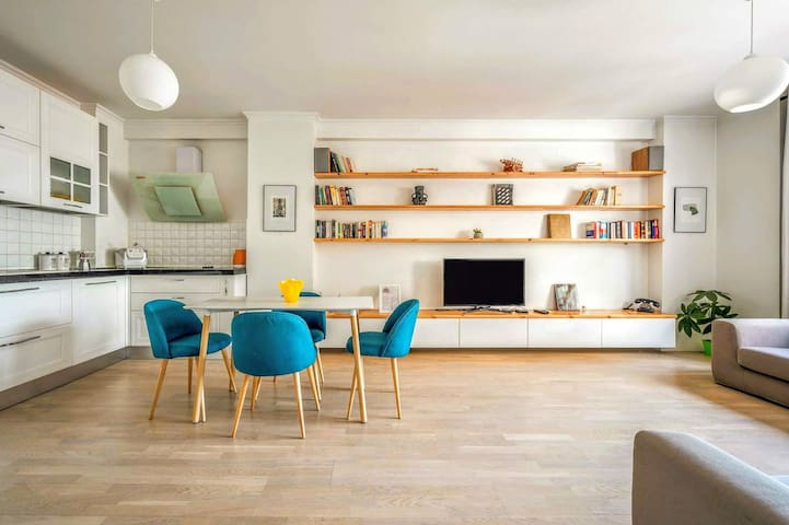 Pazari Deluxe ⚡ Enjoy Albania Apartments