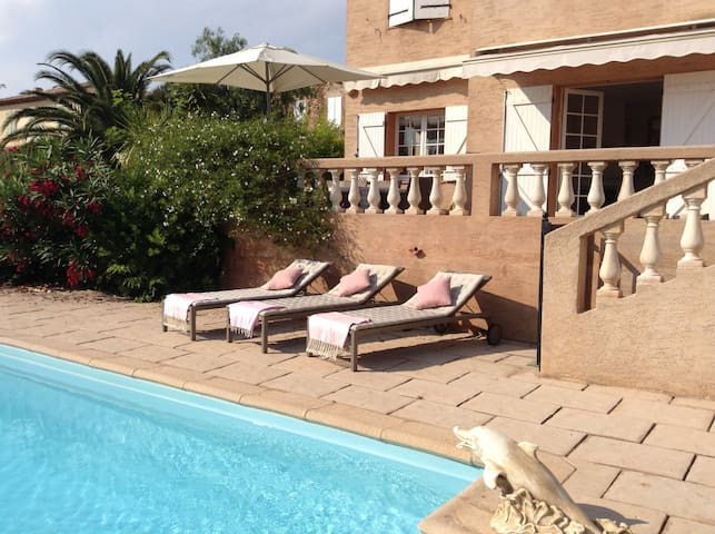 Wonderful Villa With Pool, Near Sandy Beach