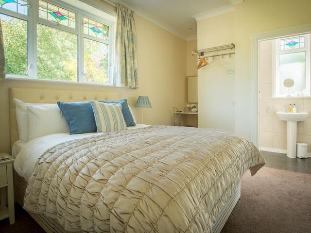 Harwood House Classic Double