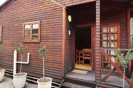 Jakaranda Cabin - Self Catering Apartment