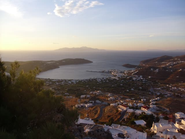 A modern cycladic house with a magnificent view - Serifos